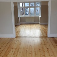Pine Floorboards Clear varnish.jpg 2